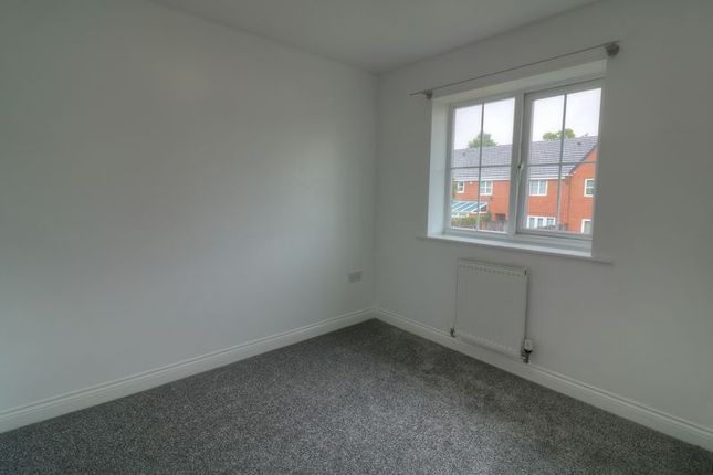 Photo 12 of York Crescent, West Bromwich B70