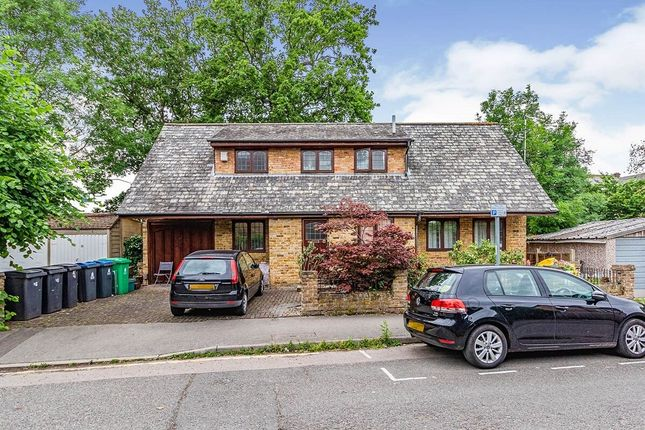 Thumbnail Flat to rent in Oak Hill Crescent, Surbiton