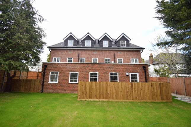 2 bed flat for sale in Green Lane, Purley CR8