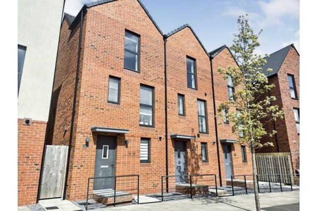 3 bed town house for sale in Langdon Road, Swansea SA1