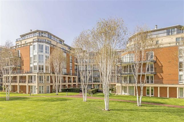 Thumbnail Flat for sale in Coleridge Gardens, London