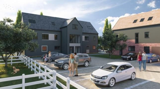 Thumbnail Flat for sale in Hardings Elms Road, Crays Hill, Billericay
