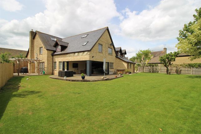 Thumbnail Detached house for sale in Orchard Gardens, Purton, Swindon