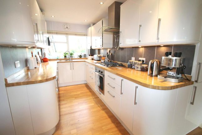 Thumbnail Flat to rent in Milton Court, Paddockhall Road, Haywards Heath