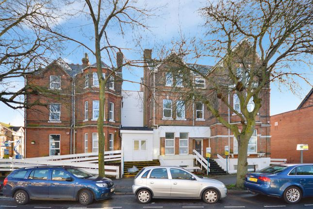 Flat to rent in Shorncliffe Road, Folkestone