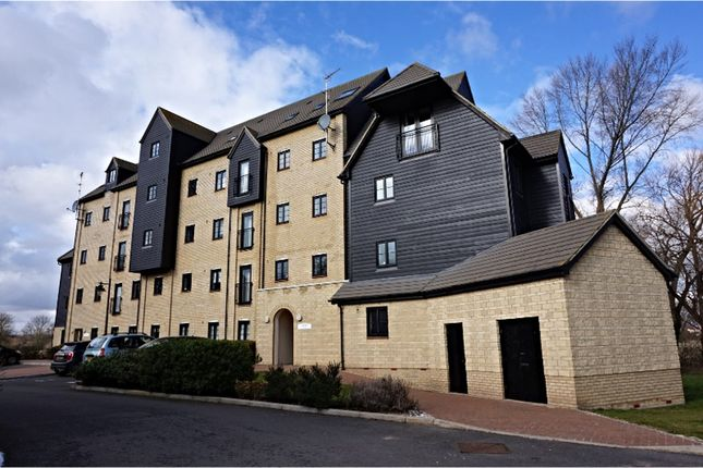 2 bed flat to rent in Mill Lane, Bedford