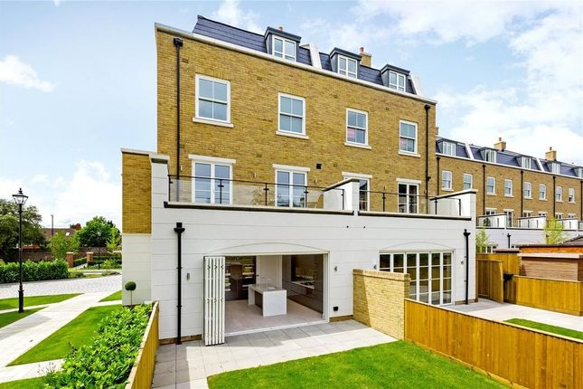 Thumbnail End terrace house to rent in Egerton Drive, Isleworth