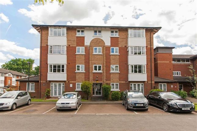 Thumbnail Flat for sale in Beechwood Grove, Acton, London