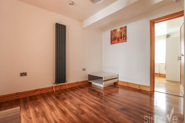 Thumbnail Flat to rent in Paddington Close, Hayes, Middlesex