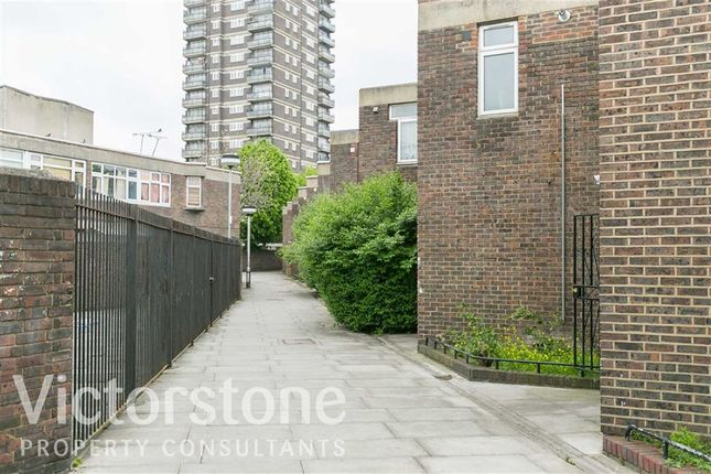 Thumbnail Terraced house to rent in Spring Walk, Spitalfields, London