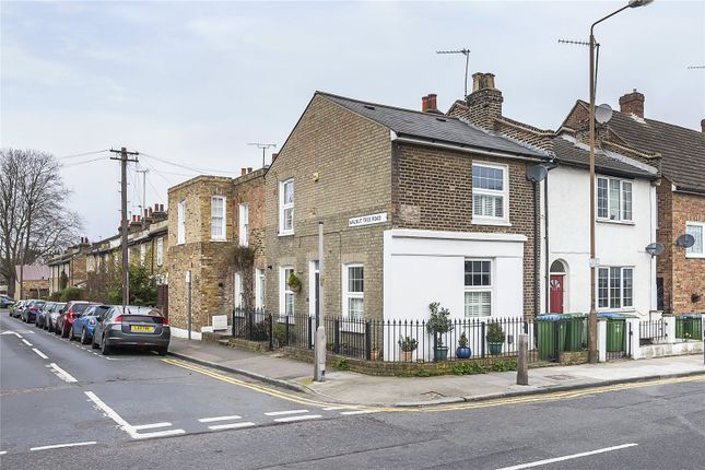 2 bed terraced house for sale in Vanbrugh Hill, London