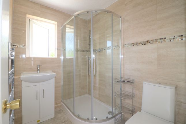 Thumbnail Semi-detached house to rent in Cedar Close, Hedge End, Southampton