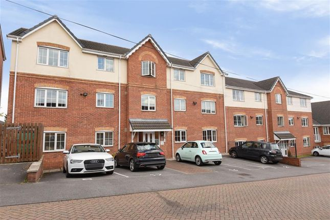Thumbnail Flat for sale in Tower Crescent, Tadcaster