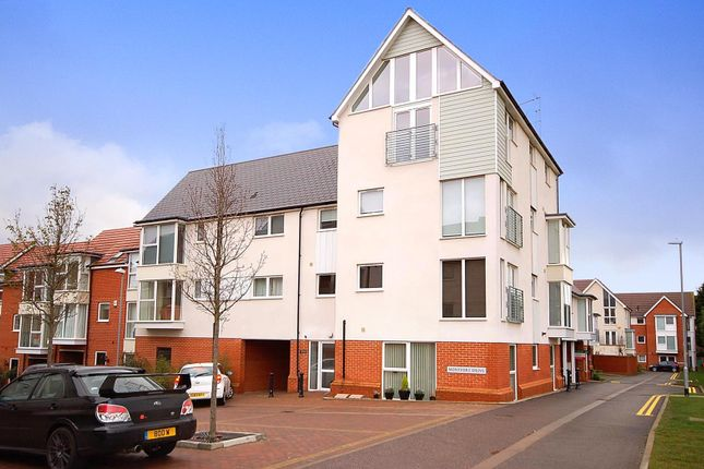 2 bed flat for sale in Montfort Drive, Great Baddow, Chelmsford