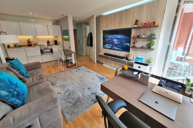 Thumbnail Flat for sale in 8 Shires Lane, Leicester
