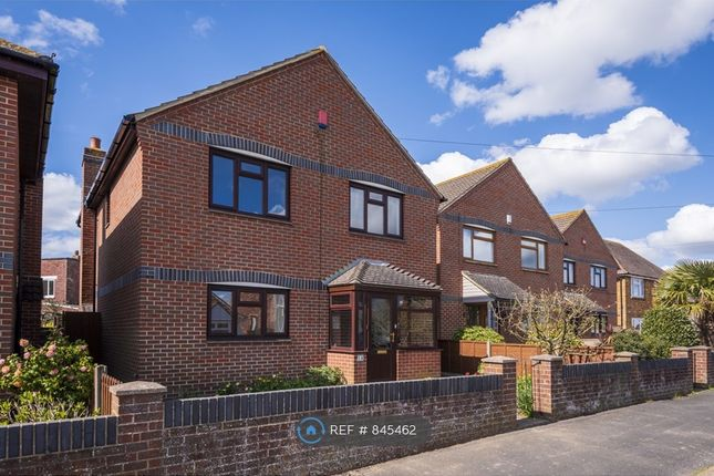 Thumbnail Detached house to rent in Cambridge Road, Lee-On-The-Solent