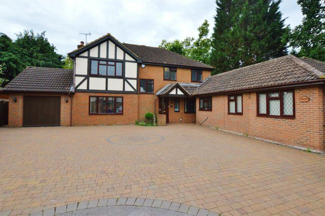 Thumbnail Detached house to rent in Magnolia Gardens, Slough