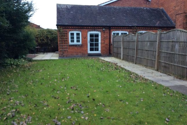 Thumbnail Flat to rent in Ednall Lane, Bromsgrove