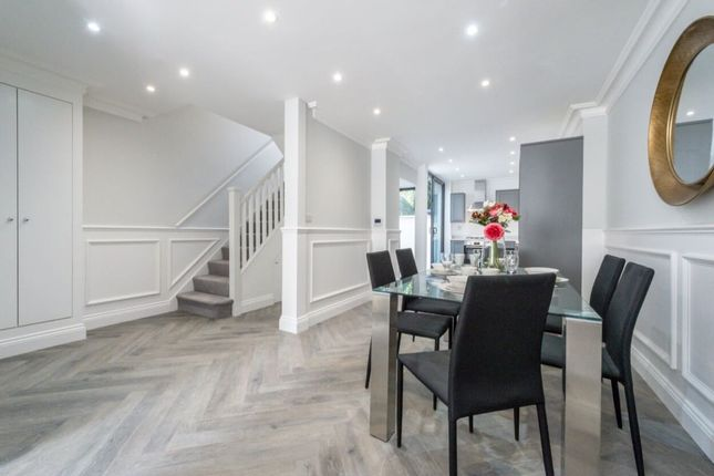 Thumbnail Flat for sale in Colnbrook Street, London