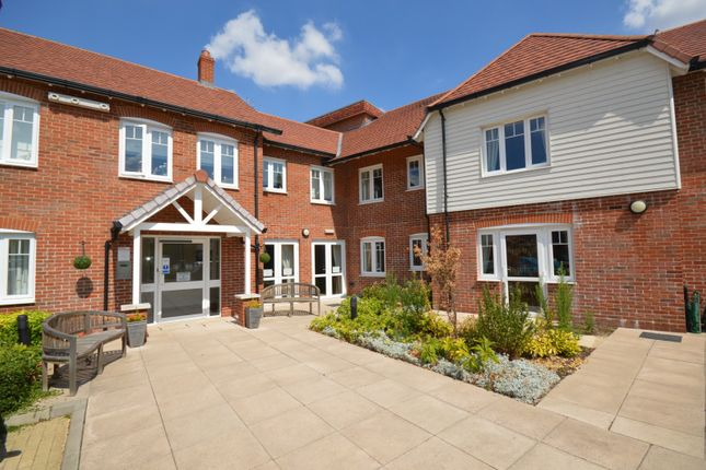 Thumbnail Flat for sale in Chinnerys Court, Braintree