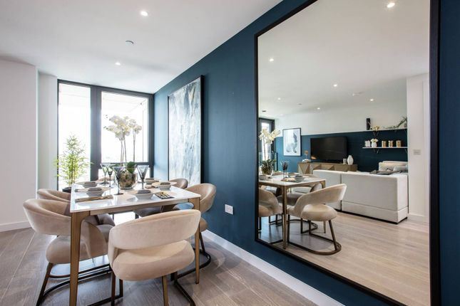 Thumbnail Flat for sale in City North, Finsbury Park, London