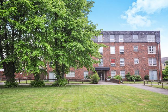 Thumbnail Flat to rent in Marlowe Gardens, London