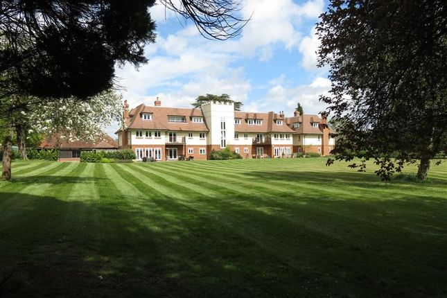 Thumbnail Flat for sale in Tidmarsh Grange, Tidmarsh, Reading