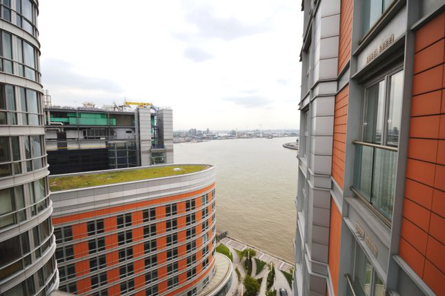 Thumbnail Property for sale in New Providence Wharf, 1 Fairmount Avenue, Canary Wharf