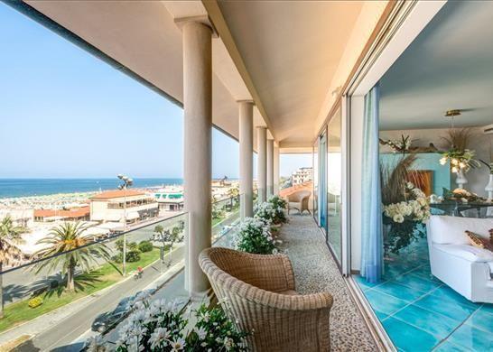 3 bed apartment for sale in 55049 Viareggio, Province Of Lucca, Italy