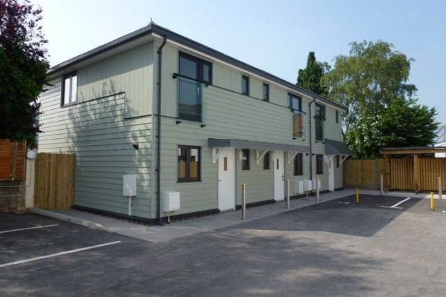 2 bed property to rent in Wincheap, Canterbury