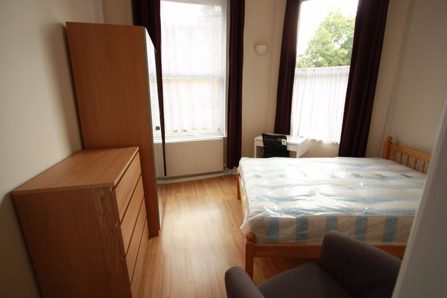 Room to rent in Sutherland Avenue, Maida Vale