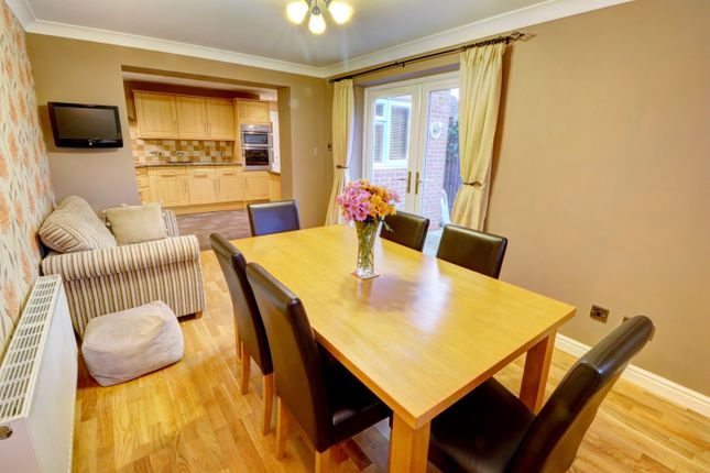 Dining Room of Cranesbill Drive, Broomhall, Worcester WR5