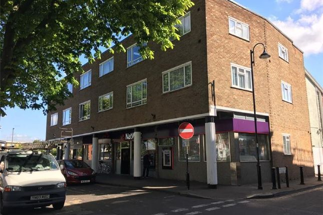 Thumbnail Retail premises to let in Natwest - Former, 12, High Street, Shepperton, Middlesex, UK