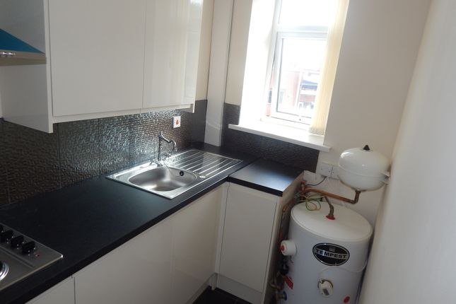 Thumbnail 1 bedroom flat to rent in Wellington Street, Batley