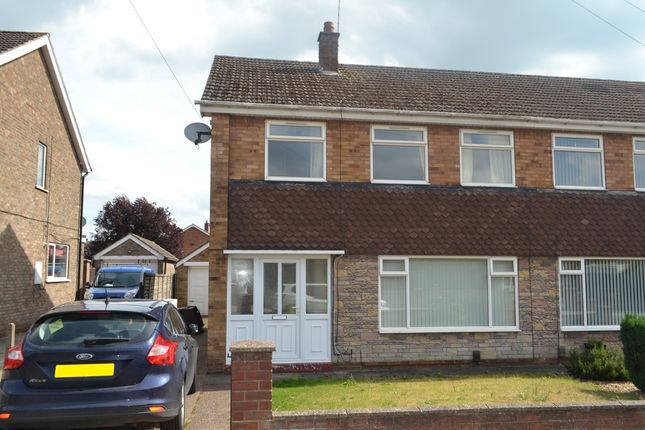 Thumbnail Semi-detached house to rent in Sunningdale Road, Scunthorpe