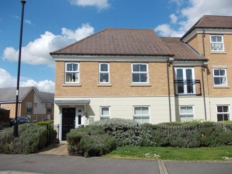 2 bed flat to rent in Longstork Road, Rugby CV23