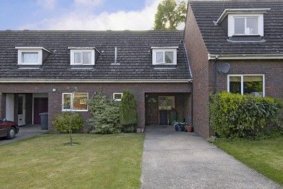 Thumbnail Terraced house for sale in The Gowers, Amersham