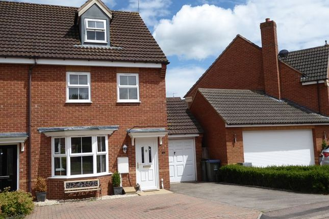 Thumbnail Semi-detached house for sale in Brindles Close, Calvert, Buckingham