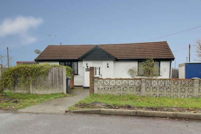 Thumbnail Detached bungalow for sale in Meadow Way, Wickford, Essex