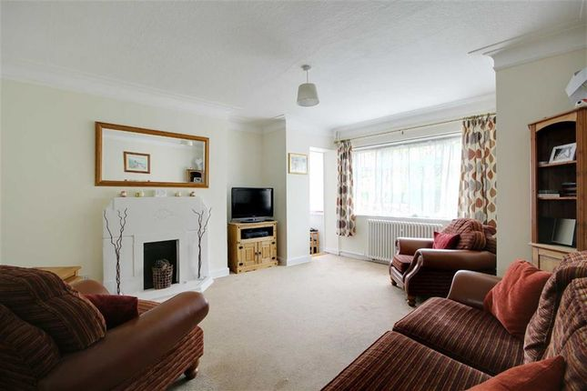 Thumbnail Flat for sale in Romney Court, Winchelsea Gardens, Worthing, West Sussex