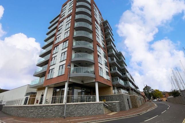 Thumbnail Flat for sale in Viewpoint Court, Harbour Road, Gosport, Hampshire
