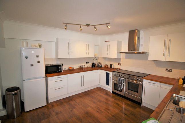Thumbnail Flat to rent in Farringdon House, Farringdon, Exeter