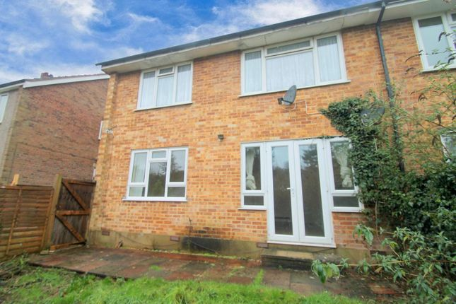 2 bed maisonette to rent in Stafford Road, Caterham CR3