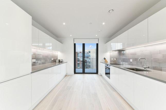 Thumbnail Flat to rent in Masthead House, Royal Wharf