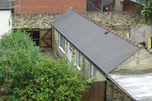 Thumbnail Bungalow to rent in Mill Road, Cambridge