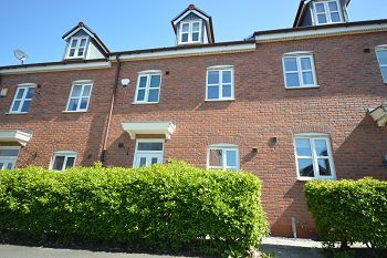 Thumbnail Town house to rent in Parklands Drive, Weston, Crewe