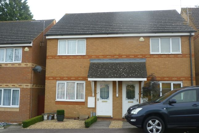 Thumbnail Semi-detached house to rent in Collingwood Close, Luton, Beds
