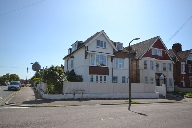 Thumbnail Flat to rent in Cantelupe Road, Bexhill On Sea
