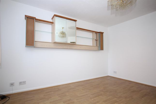 Thumbnail Flat to rent in Anderson Close, London