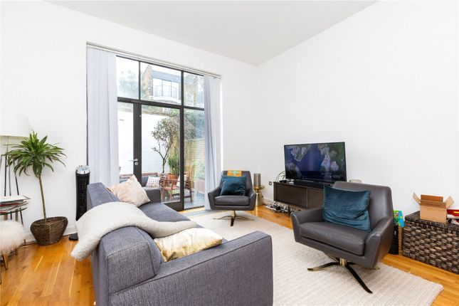 Thumbnail Mews house to rent in Colebrooke Place, Angel, Islington, London